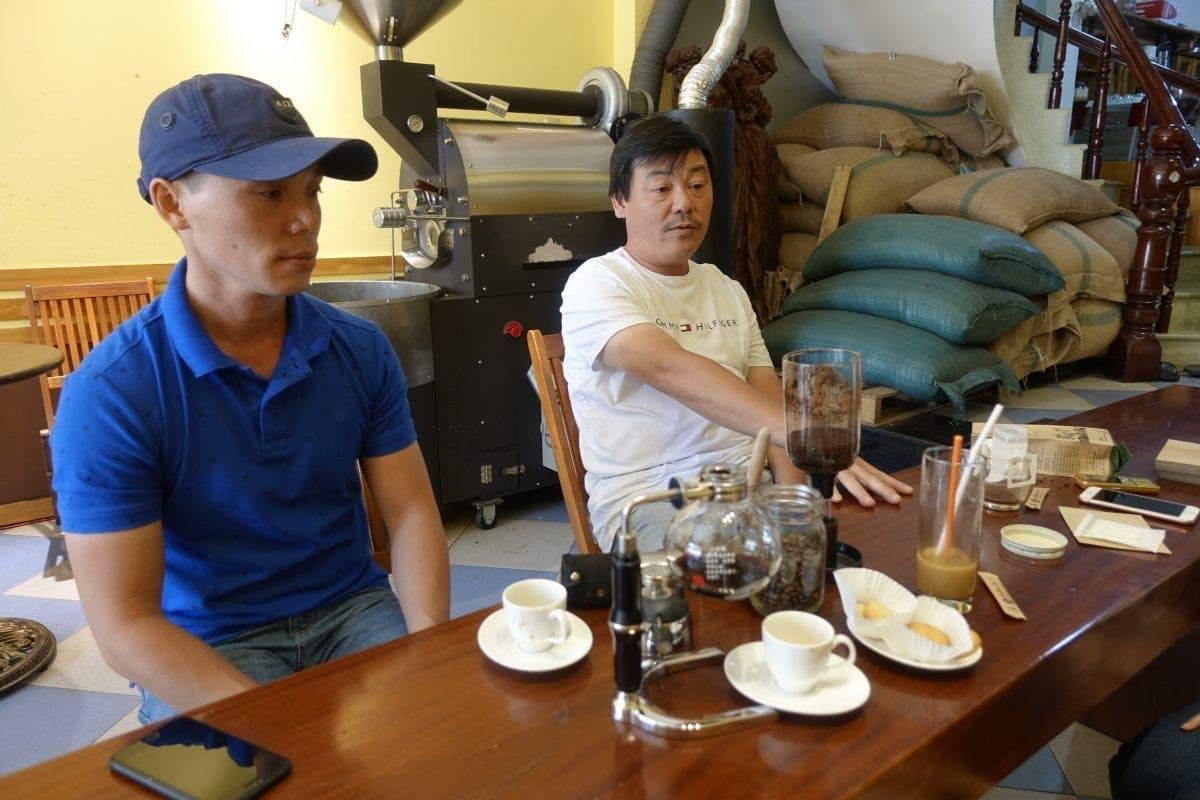 Die beiden Brüder Hiếu und Tanh von Coffee24